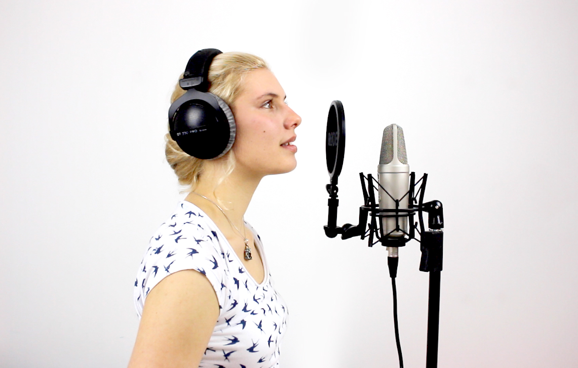 Angèlia Grace vocal productions singing live in studio